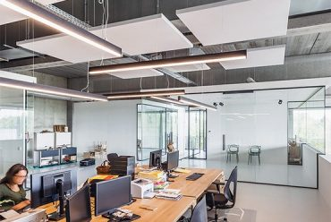 Open-area office spaces and acoustic challenges